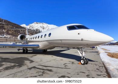 Samedan/Switzerlad:  Global Jet Concept G650 at Engadin Airport in Samedan/Switzerland 18.02.2017