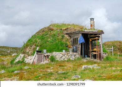 Sami House in Hardangervidda, Norway. Sami (lapone) house used by this ethnic group. They live in the northern territories of Norway, Sweden and Finland.