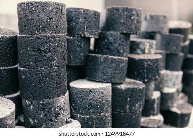 samples of asphalt for quality testing