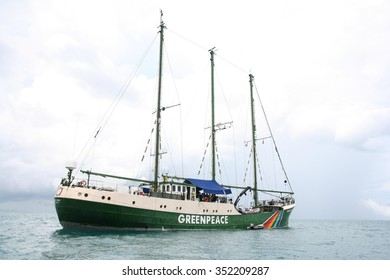 Samui,Suratthani/ Thailand - SEP29, 2010 : Green Peace Rainbow Warrior anchored in Nathon bay, Samui, Thailand.