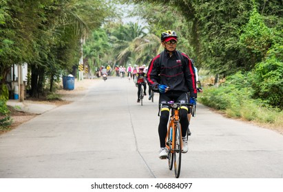Samutsakorn, Thailand March 27-2016 This event is -Spin to travel Kratumban Samutsakorn- This event held to promote health and tourism within the province