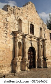 Misión San Antonio de Valero, better known as the Alamo, in downtown San Antonio, Texas