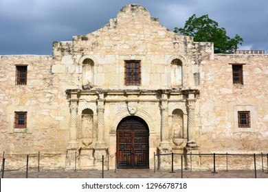 San Antonio, Texas, United States of America – May 20, 2015. Exterior view of the chapel building of Alamo mission in San Antonio, TX.