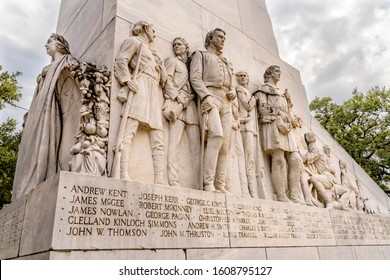 SAN ANTONIO, TEXAS, UNITED STATES - OCTOBER 8, 2019 Alamo Heroes Cenotaph Memorial San Antonio Texas. Monument to heroes killed in 1836 battle.  Erected 1936 by Sculptor Pompeo Coppini.