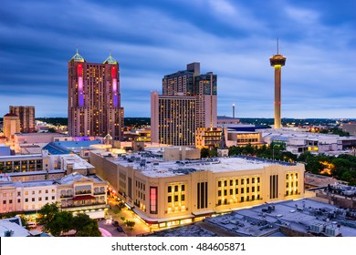 San Antonio, Texas, US skyline.