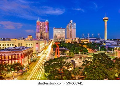 San Antonio, Texas, USA skyline.