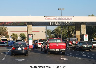 SAN BERNARDINO, CA - OCTOBER 08: Motorists waiting in lines for gasoline at Costco October 08, 2012 in San Bernardino, CA. The price of gasoline in California has been rising rapidly.