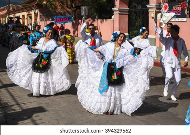 SAN CRISTOBAL DE LAS CASAS, MEXICO, 13 DECEMBER 2015: People dancing in traditional Mexican dress from Veracruz state