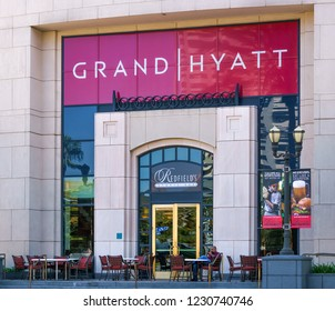 SAN DIEGO, CA/USA - SEPTEMBER 3, 2016: Manchester Grand Hyatt San Diego exterior The Grand Hyatt San Diego is a high-rise hotel complex in San Diego and California's largest hotel.