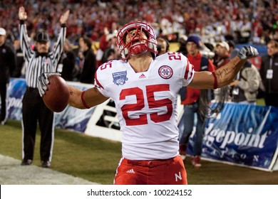 SAN DIEGO - DEC 30: Nebraska Cornhuskers TE Kyler Reed #25 celebrates a TD during the 2010 Bridgepoint Education Holiday Bowl game of Nebraska vs. Washington on Dec 30 2010 at Qualcomm.