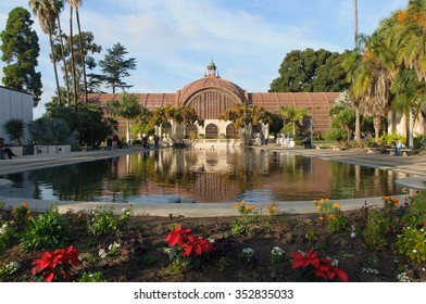 SAN DIEGO - DECEMBER 10: 29th annual poinsettia display begins outside botanical building in Balboa Park on December 10, 2015 in San Diego
