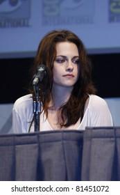 SAN DIEGO - JUL 21: Kristen Stewart at 'The Twilight Saga: Breaking Dawn Part 1' Panel during Comic-Con 2011 in San Diego, California on July 21, 2011