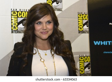SAN DIEGO - JULY 22: Tiffani Amber Thiessen of White Collar attends Comic-Con 2010 - Day 1 on July 22, 2010 in San Diego, California.
