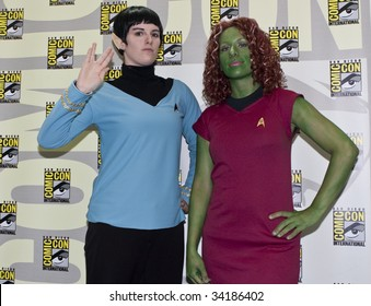 SAN DIEGO - JULY 23: Fans dress up as Star Trek characters at Comic-Con 2009 - Day 1 on July 23, 2009 in San Diego, CA