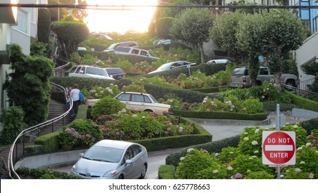 San Francico, USA - September 12, 2011: Lombard Street-The Most Curved Road In The World