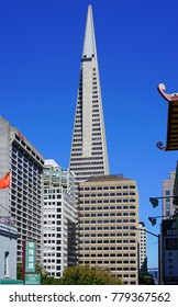 SAN FRANCISCO, CA -31 AUG 2017- View of the landmark Transamerica Tower building from the Chinatown neighborhood of San Francisco, the oldest Chinatown in the United States.