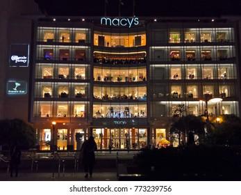 SAN FRANCISCO, CA - JANUARY 15, 2016: Macy's flagship store Union Square at night.
