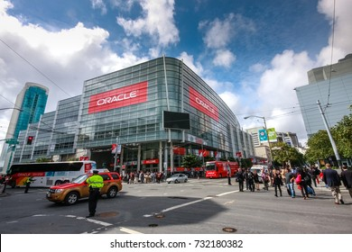 SAN FRANCISCO, CA, USA - OCT 4, 2011: Attendees of Oracle Open World conference go to  Moscone Center West on Oct 4, 2011 in San Francisco, CA, USA.