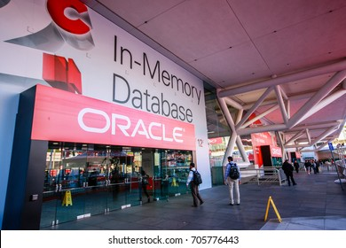 SAN FRANCISCO, CA, USA - SEPT 22, 2013: Attendees of Oracle Open World conference enter Moscone Center South entrance on Sept 22, 2013 in San Francisco, CA, USA.