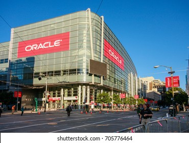 SAN FRANCISCO, CA, USA - SEPT 22, 2013: Attendees of Oracle Open World conference go to  Moscone Center West on Sept 22, 2013 in San Francisco, CA, USA.