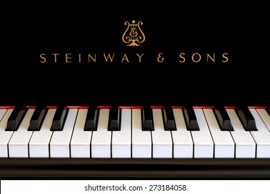 SAN FRANCISCO, CA-JAN 4, 2015: Steinway & Sons logo close up. Classic gold lettering above the piano keys of a ebony black Steinway grand piano.