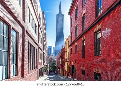 San Francisco California USA 2019 01 01 the Transamerica pyramid building as seen from a deserted alleyway on the east side of Telegraph Hill