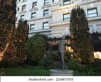 San Francisco, California/USA - December 9. 2018: the iconic Tony Bennett statue decorated for Christmas outside of the Fairmont Hotel on Nob Hill, San Francisco