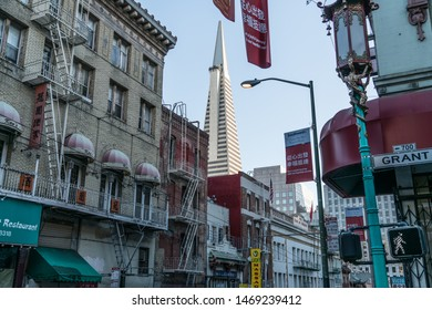 San Francisco, California/USA - February 20, 2018: The Iconic Pyramid Building In Downtown Bay Area. The Transamerica Pyramid, A 48-Story Futuristic Building And The 2nd Tallest In San Francisco.