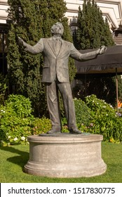San Francisco, California/USA-3/27/19: Tony Bennett statue on next to the Fairmont Hotel, Nob Hill-Italian American signer, I left my heart in San Francisco was honored on his 90th birthday.