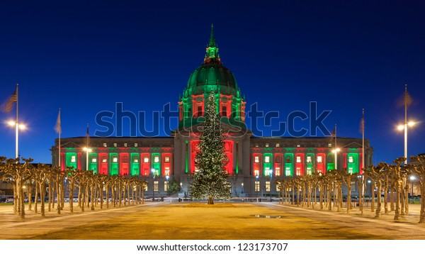 San Francisco City Hall in red and green light around Christmas.