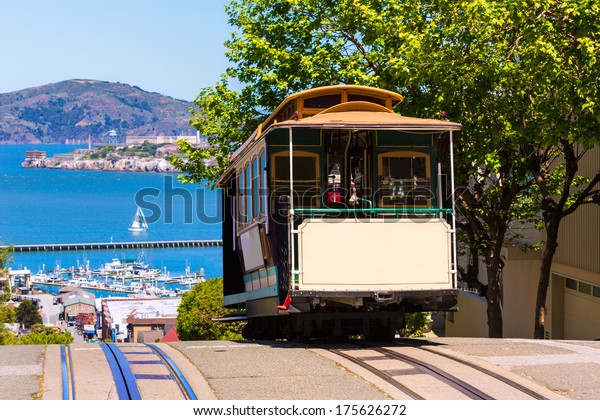 San francisco Hyde Street Cable Car Tram of the Powell-Hyde in California USA