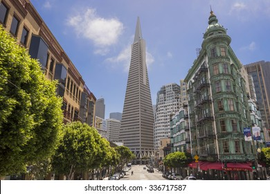 SAN FRANCISCO - JUNE 14: Transamerica bank building on June 14, 2015 in San Francisco, USA. The Transamerica Pyramid is the tallest skyscraper in the San Francisco skyline.