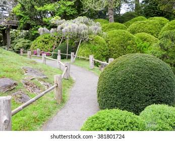 SAN FRANCISCO, USA - APR 23, 2013: Japanese Tea Garden in Golden Gate Park, San Francisco, California