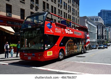San Francisco; USA - july 13 2016 : touristy bus in the city center