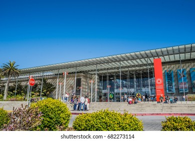 SAN FRANCISCO, USA - JULY 18, 2017: Entrance into the California Academy of Sciences, a natural history museum in San Francisco, California.