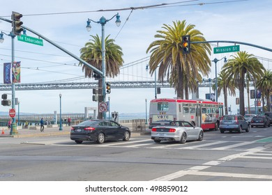 SAN FRANCISCO, USA - OUT  13, 2016:Traffic in Financial District of San Francisco, THAT has a diversified economy with wide range of professional services including finance, tourism and high tech.
