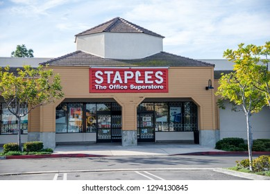 San Juan Capistrano, CA  - January 18, 2019. Staples Location. Staples is a multinational retain office supply chain with over 1500 location in the US