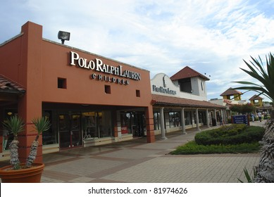SAN MARCOS, TX-JULY 2 : General view of branded outlet malls on July 2, 2006 in San Marcos, Texas. In 2006, ABC's 'The View' named San Marcos Outlets the third-best place to shop in the world.