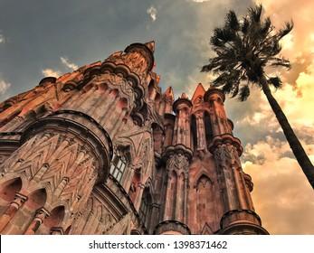 San Miguel de Allende, México, 05/04/2018. La Parroquia de San Miguel Arcángel, the current parish church of San Miguel, is unique in Mexico and the emblem of the town.