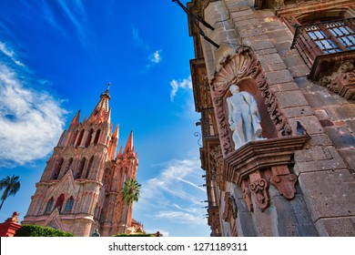 San Miguel de Allende, Landmark Parroquia De San Miguel Arcangel cathedral in historic city center