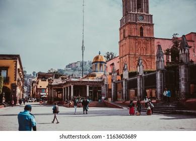 San Miguel de Allende, Mexico - noviembre 17, 2016: Main square in San Miguel de Allende