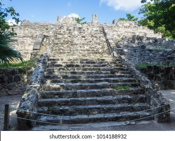 San Miguelito Ruins is located on the property of the Cancun Mayan Museum, a great combination that deepens visitors understanding of the Maya community.