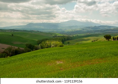 AT SAN QUIRICO D'ORCI - Italy - ON 04/25/2017 -  Landscape of Val d'Orcia