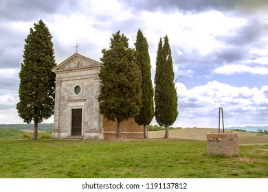 AT SAN QUIRICO D'ORCIA - Italy - ON 04/25/2017 - The little church of Vitaleta in Val d'Orcia, Siena, Italy