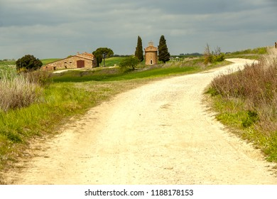 AT SAN QUIRICO D'ORCIA - ON 04/25/2017 - The little church of Vitaleta in Val d'Orcia, Siena, Italy