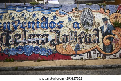 SAN TELMO, BUENOS AIRES, ARGENTINA - NOV 24, 2014: Grafitti on the wall, San Telmo, Buenos Aires Argentina