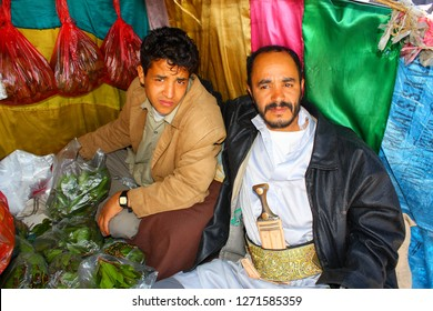 SANAA, YEMEN - DECEMBER 2008: unidentified men sell kath on December 31, 2008 in Sanaa. Yemenis are happy when tourists make photos from them.