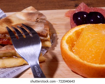 Sand pizza and fruits