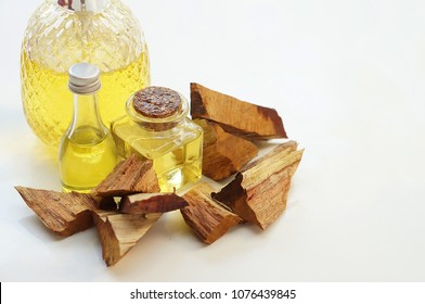 Sandalwood oil with Sandalwood