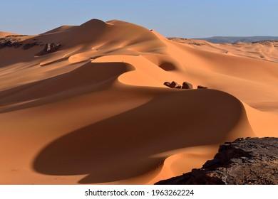 Sanddunes at Ouan Zaouatan, Tadrart, Tassili n´ Ajjer National Park, Unesco World Heritage Site, Sahara desert, Algeria